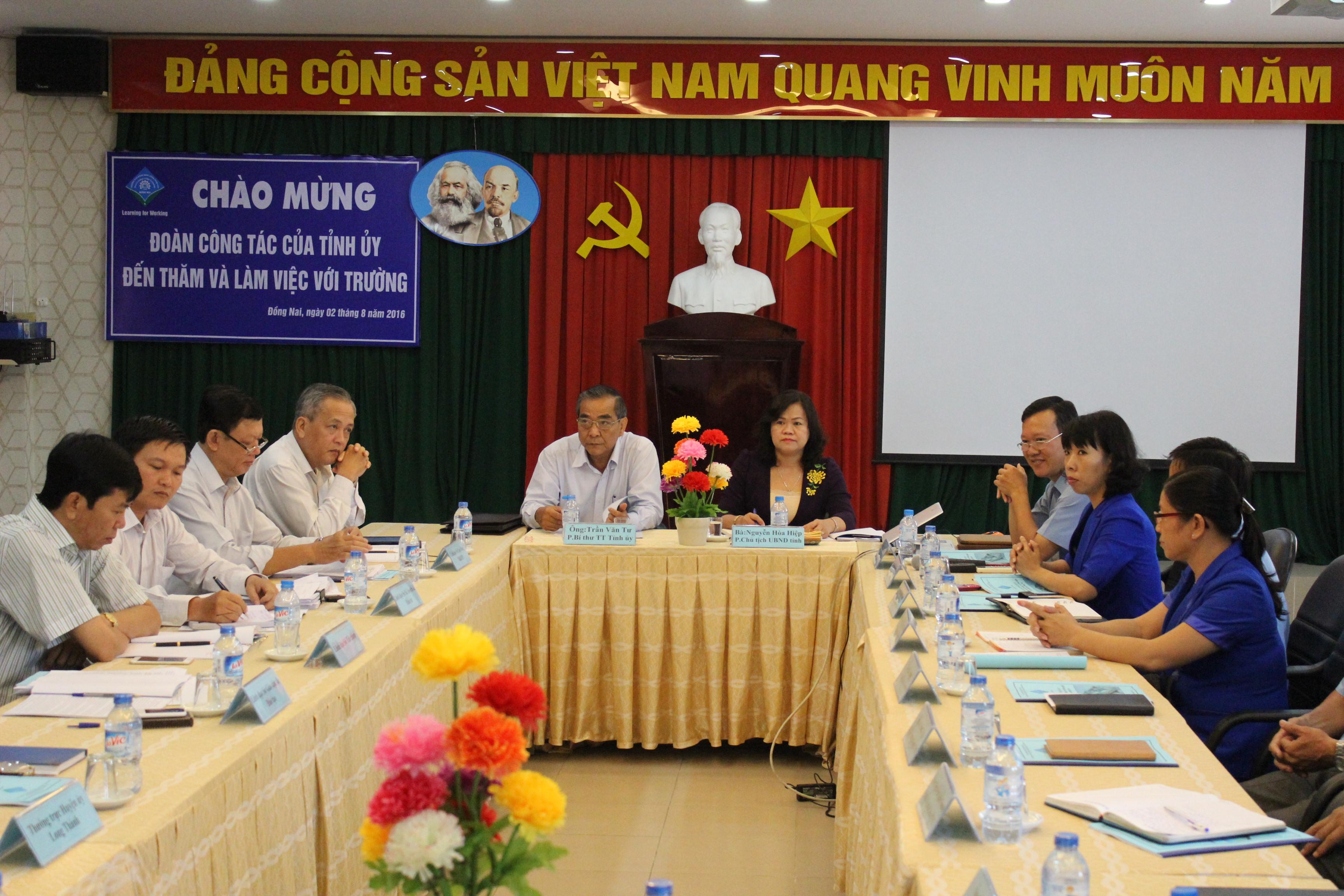 Đoàn công tác Tỉnh ủy đến thăm và làm việc tại Trường