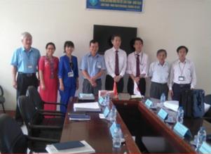 Giám đốc đối ngoại-METI Kansai đến thăm và làm việc với Trường
